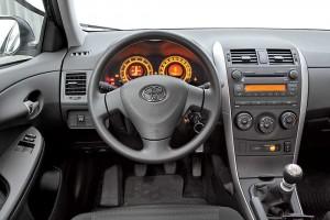 Toyota_Corolla-(3)