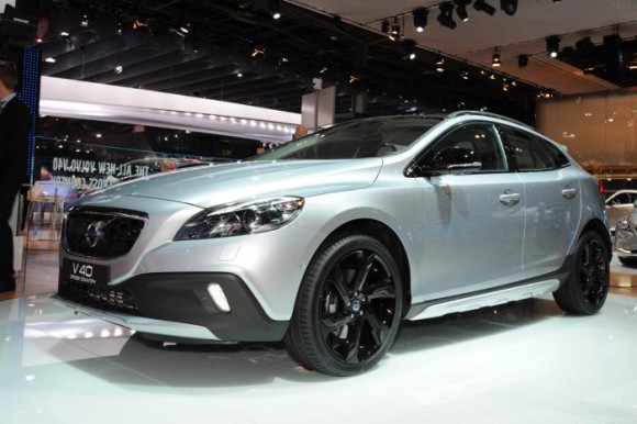 volvo-v40-cross-country-1_0