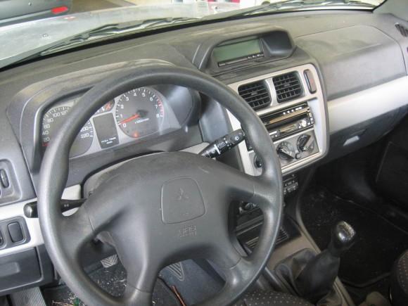 Resize-of-4-Mitsubishi-Pinin.-Car-Cinema-DVDKenwood-KVT-729DVD