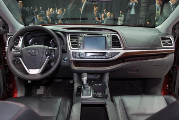 Toyota Highlander 2014 фото 10