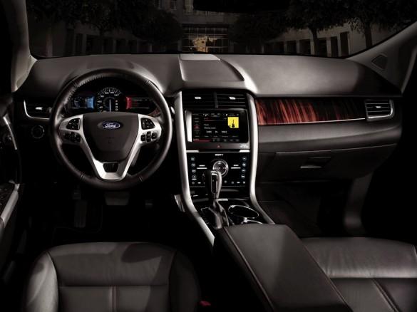 ford-edge-2014-12-585x438