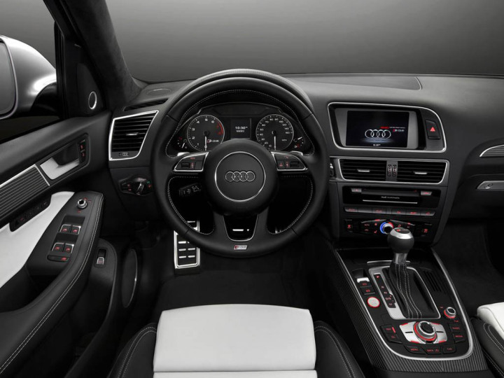 2015-audi-Q5-interior-dashboard