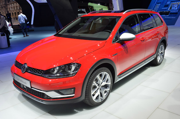 2015-vw-golf-alltrack-paris