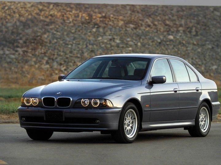 BMW-5-Series-525i-Sedan-E39-2000-2003-foto01