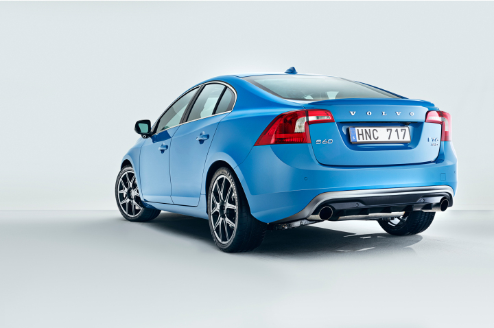 2014-volvo-s60-polestar-rear-three-quarters
