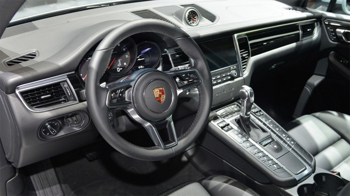 Porsche-Macan-2016-2017-salon-min