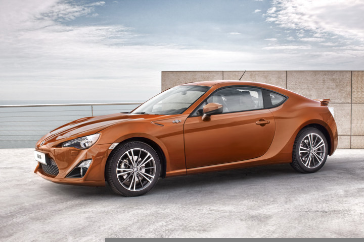 toyota-gt-86-200-hp-sports-coupe-officially-revealed-photo-gallery_18