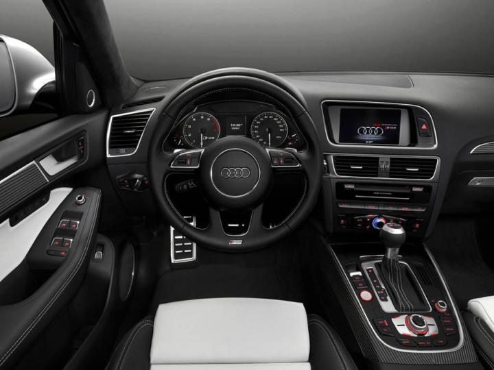 2015-audi-Q5-interior-dashboard