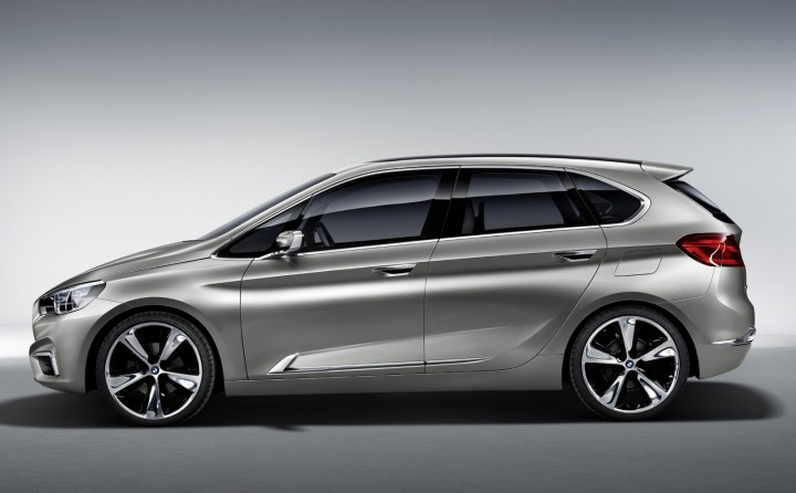 2015-BMW-2-Series-Gran-Sports-Tourer-12