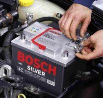 Обслуживание и зарядка аккумулятора автомобиля фото