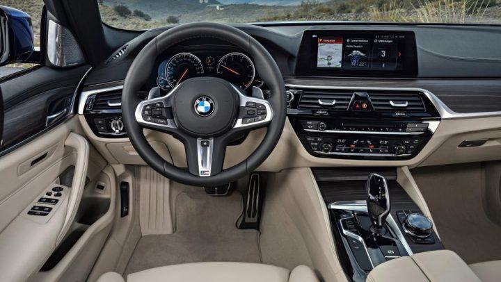 BMW 5 Series дебютирует в Женеве фото