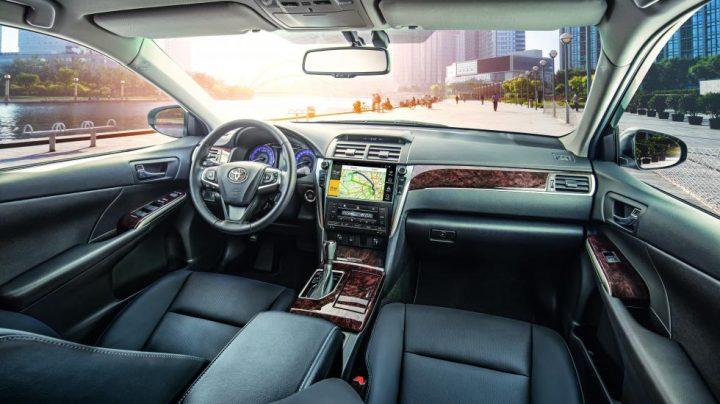 Новый Toyota Camry уже на российском рынке фото